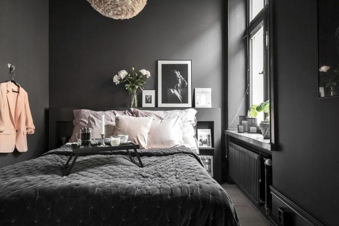 chambre noire et grise