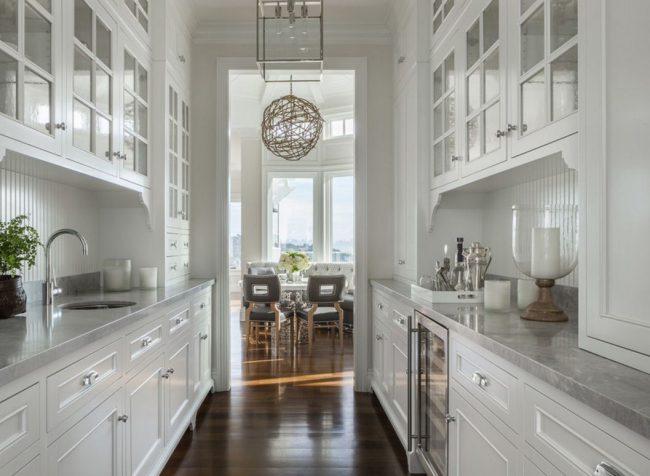 Déplacer la cuisine vers le couloir est une étape importante dans le réaménagement d'un appartement ou d'une maison
