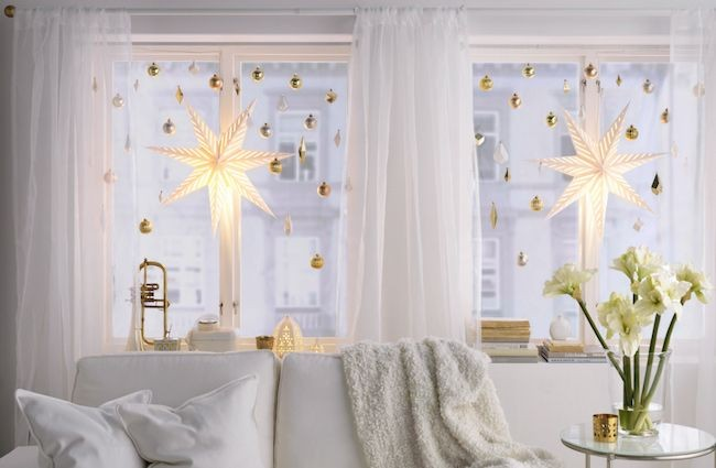 Nous décorons la chambre pour le nouvel an