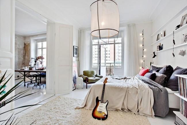 Des meubles bien placés dans la pièce permettront de gagner de la place.