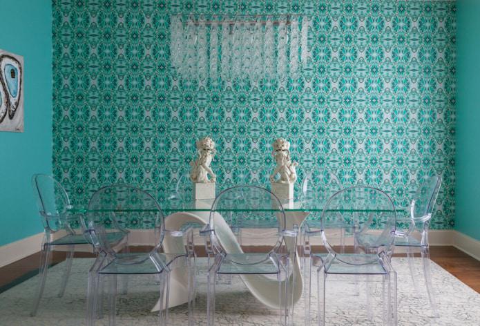 mur d'accent turquoise dans la salle à manger