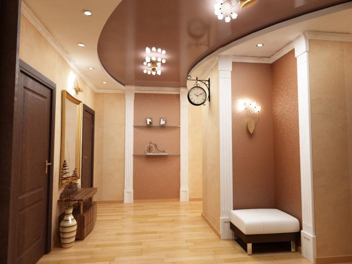 Plafond tendu à l'intérieur du couloir