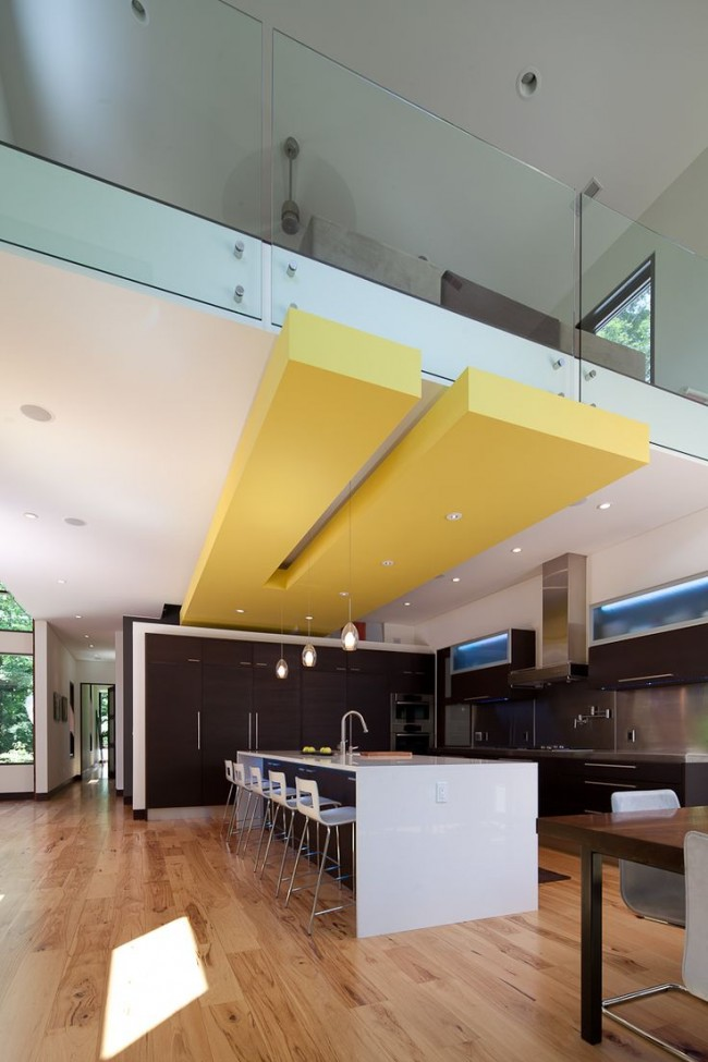 De tous les types de finitions de plafond, les structures en plaques de plâtre sont les plus populaires aujourd'hui.