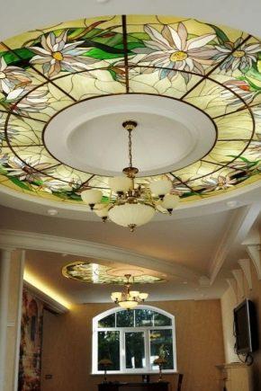 Plafonds en vitrail: caractéristiques et avantages