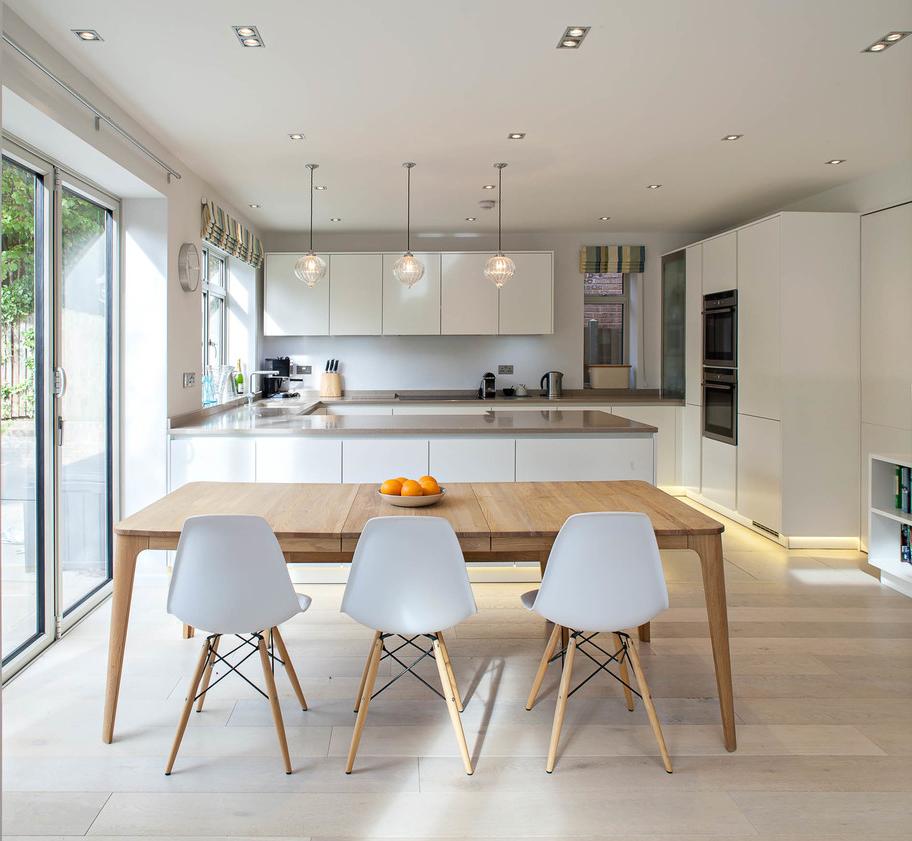 Cuisine de maison privée avec intérieur Art Nouveau
