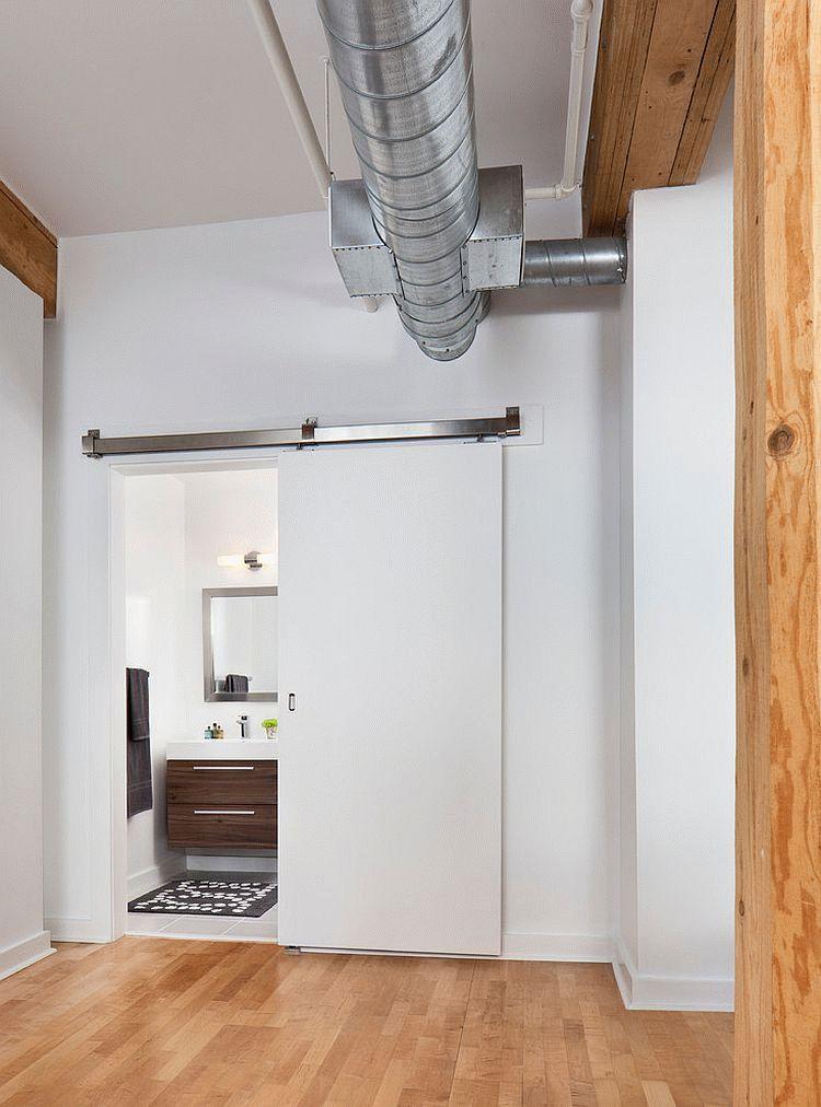 Les portes de toilettes et de salle de bain ne sont pas très différentes des autres types de portes intérieures