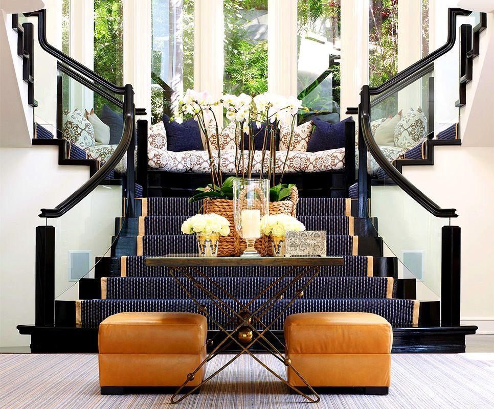 Grâce à la variété des formes et des revêtements, vous pouvez choisir un modèle qui peut étonnamment souligner le confort du couloir