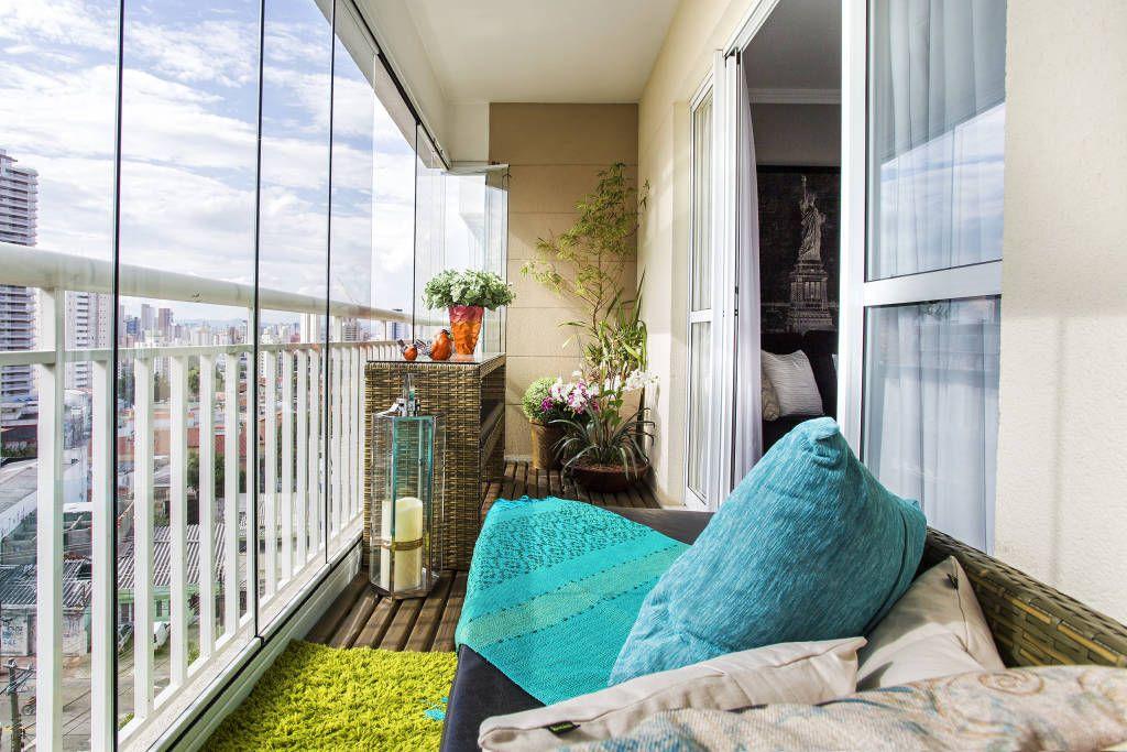 Le balcon vitré a l'air élégant et vous servira pendant plusieurs décennies