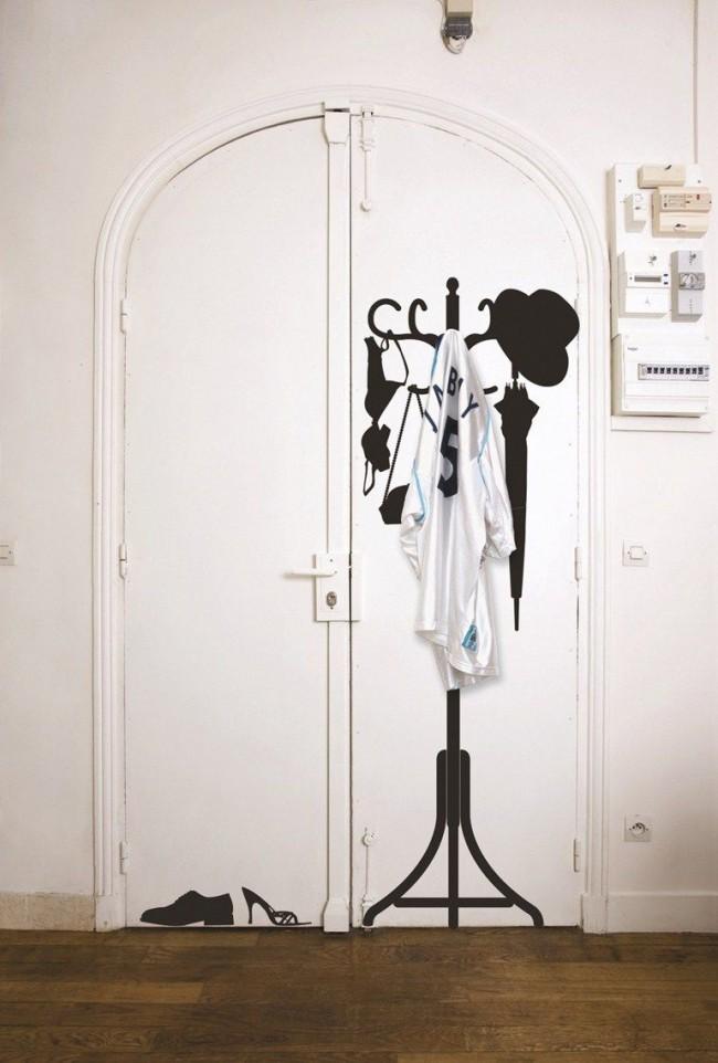 Même un léger dessin sur la porte la rendra plus inhabituelle.