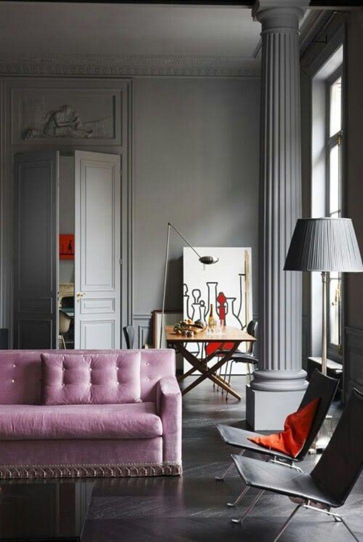 Portes intérieures peintes pour correspondre à la conception principale du salon