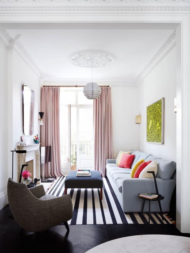 Les rideaux rose cendré s'intégreront parfaitement dans un intérieur moderne