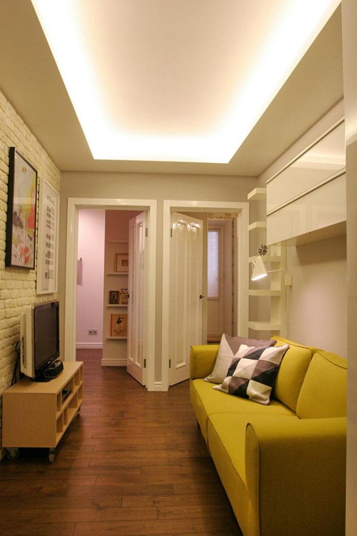 portes du couloir et de la chambre dans le couloir
