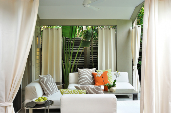 Une véranda ouverte est un endroit idéal pour passer votre temps libre