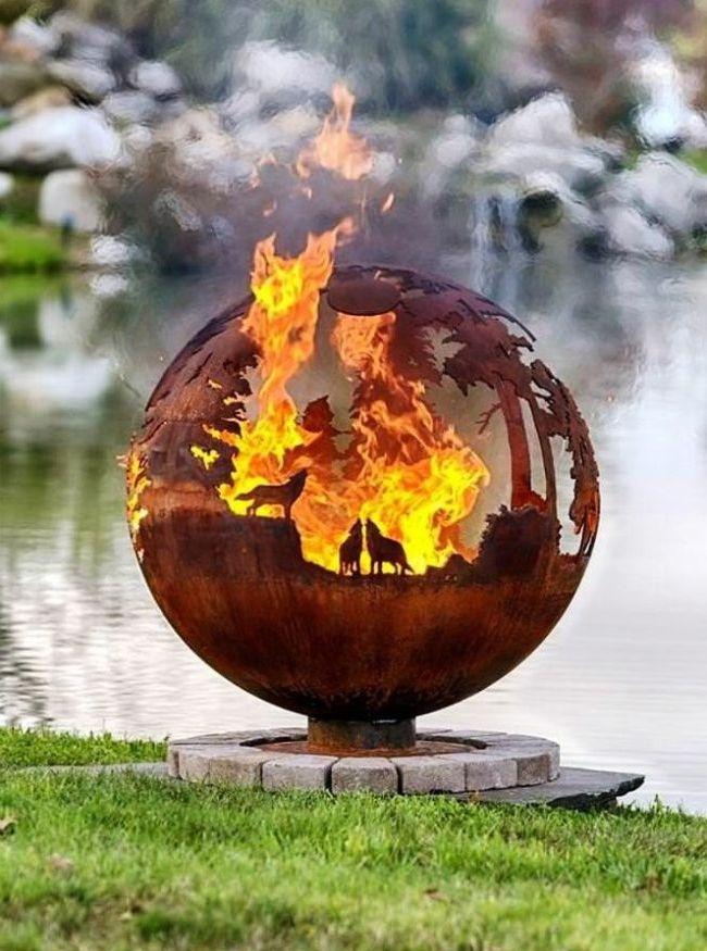 Brasero forgé en forme de boule
