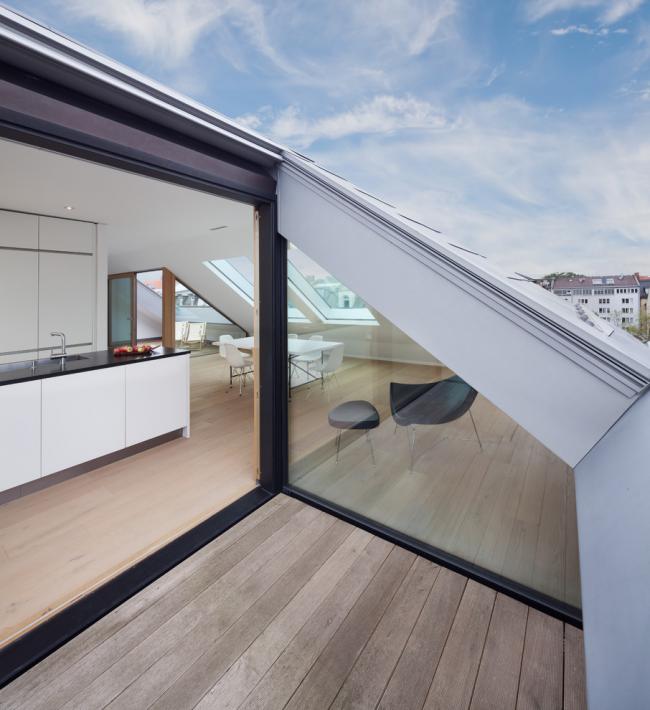 Petite cuisine avec accès au toit
