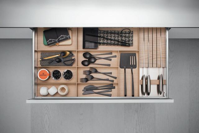 Organisateur d'arbre pratique dans le tiroir de la cuisine