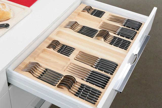 Avec un tel plateau, il y aura toujours de l'ordre dans le tiroir de la cuisine.