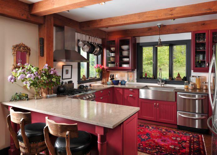 comptoir beige dans une cuisine de style campagnard