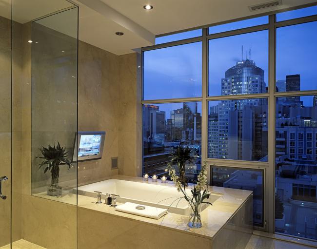 Étagère de salle de bain suspendue pratique