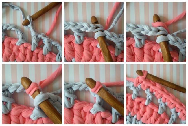 La dernière étape de la décoration du bord du tapis à côté d'un seul crochet