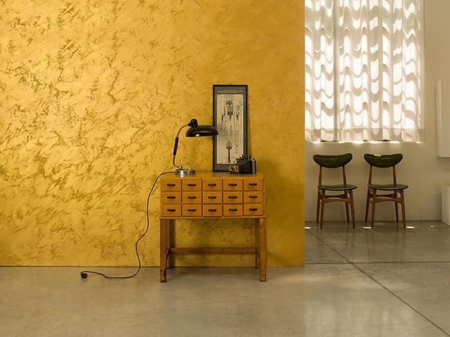 Imitation luxueuse de soie chinoise dorée sur les murs