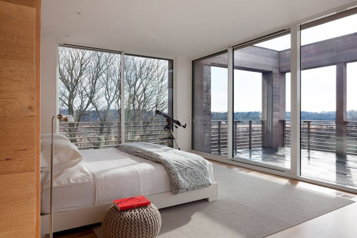 Conception de chambre avec fenêtres panoramiques