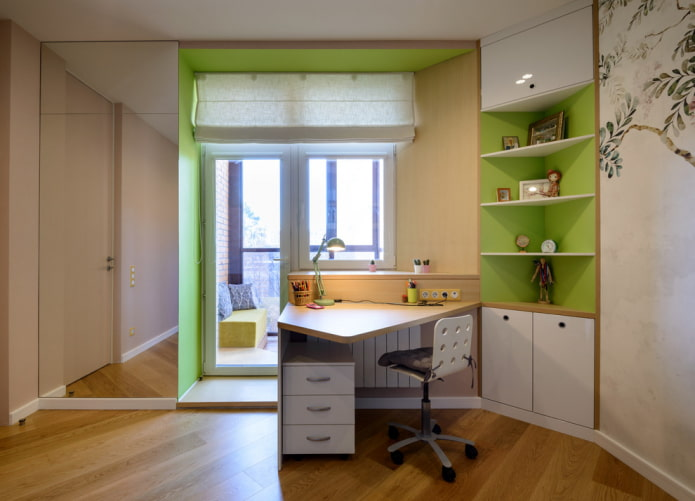 meuble d'angle près de la fenêtre à l'intérieur