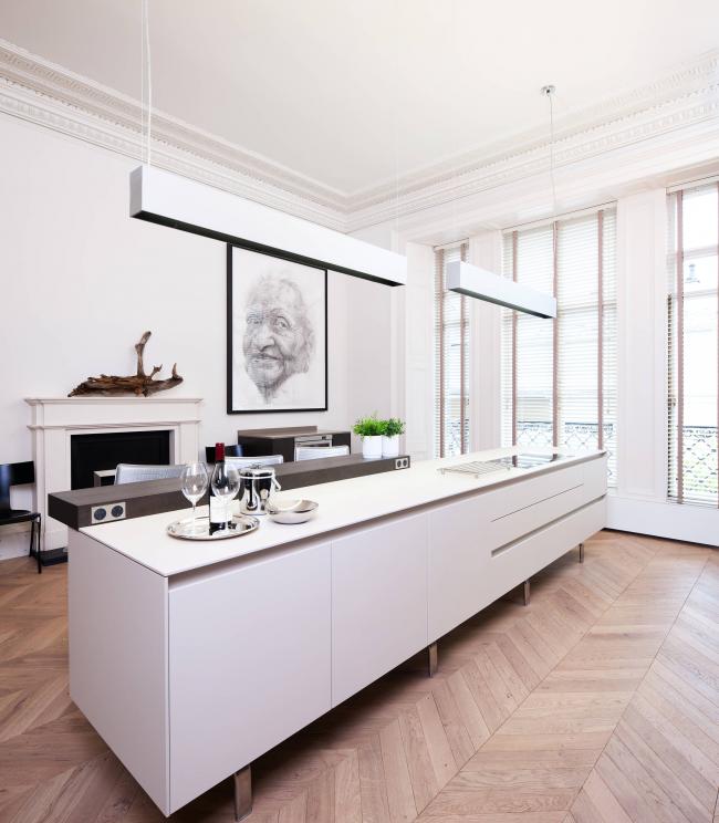 Minimalisme dans la conception de la cuisine à l'aide d'éléments graphiques