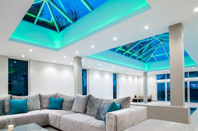 structure de plafond de verre éclairé