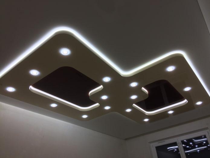 structure de plafond avec éclairage de contour