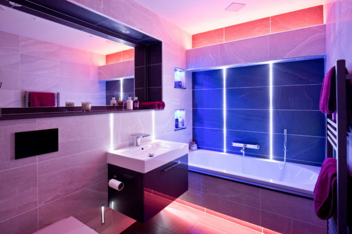 éclairage décoratif à l'intérieur de la salle de bain