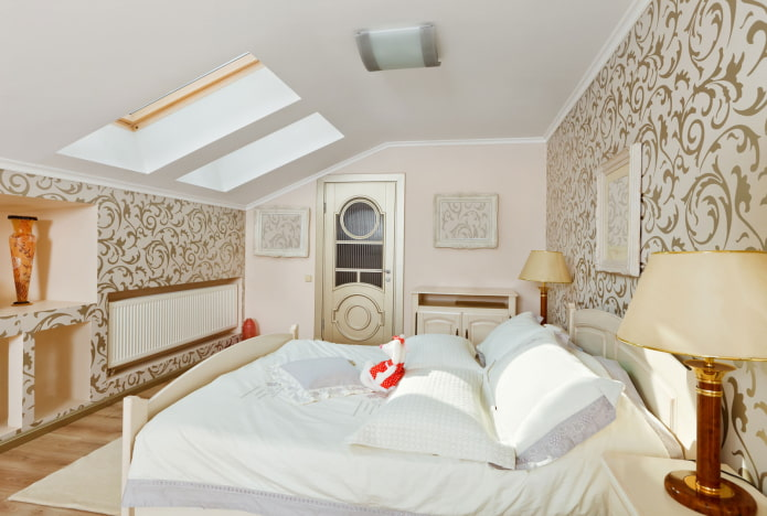 plafond tendu dans la chambre mansardée