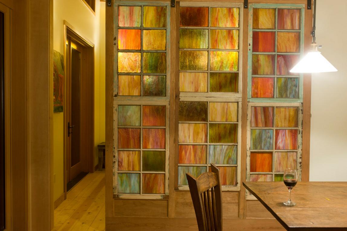 Les portes intérieures coulissantes aident aujourd'hui à créer des solutions intérieures confortables et originales