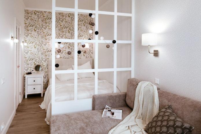 cloison en plaques de plâtre à l'intérieur de la chambre