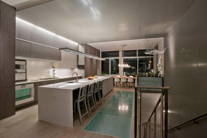 sol en verre dans la cuisine