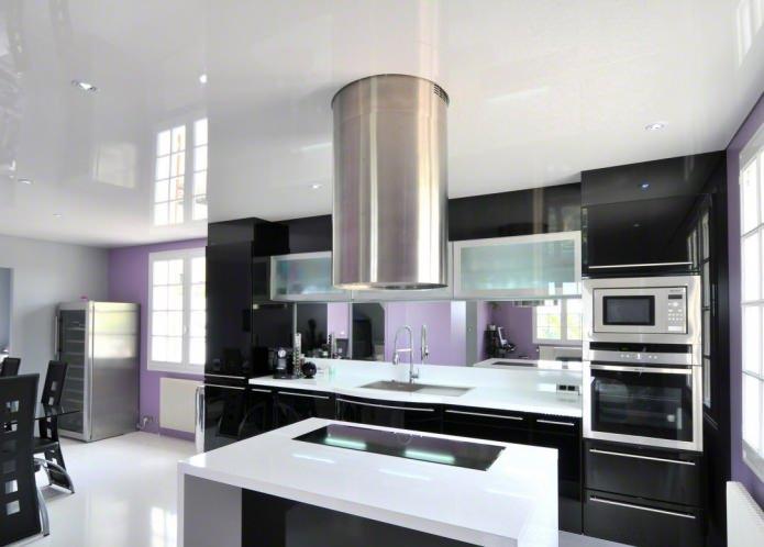 plafond tendu dans la cuisine