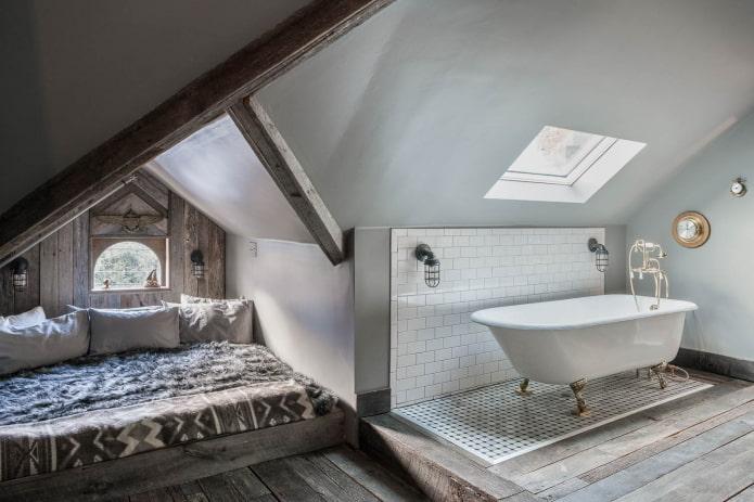 Petite chambre avec salle de bain dans les combles