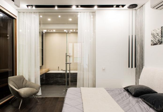 salle de bain-chambre avec cloison vitrée et rideau