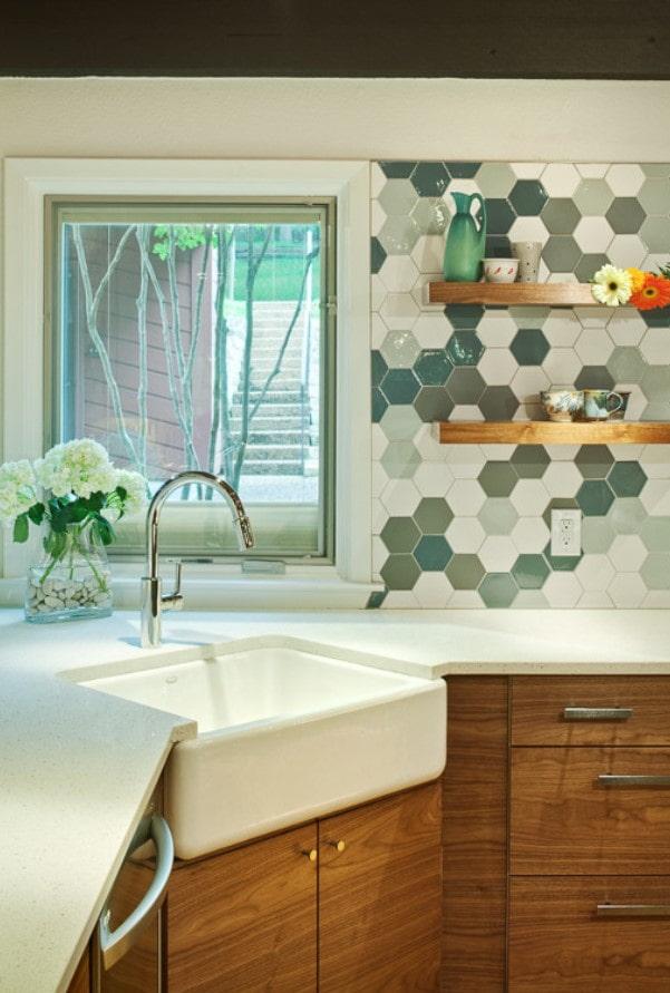 tablier de cuisine en carreaux hexagonaux
