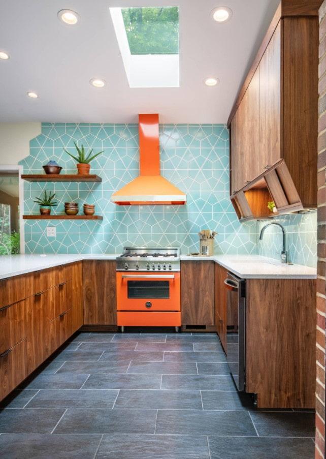 accent sur la cuisinière à l'intérieur de la cuisine