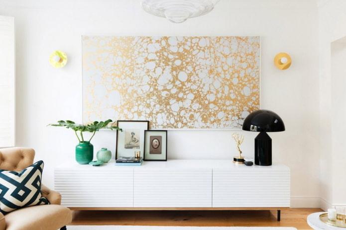 panneau de papier peint sur le mur à l'intérieur