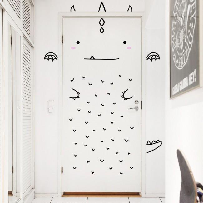 La porte de la pépinière peut être peinte